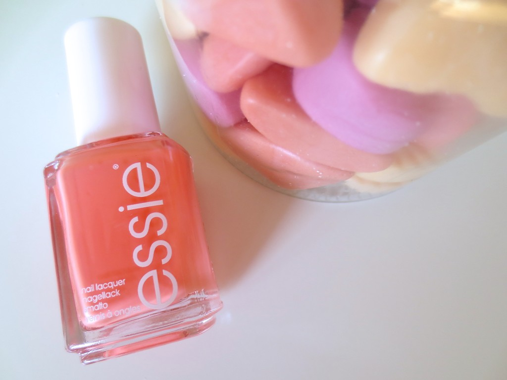 Essie Resort Fling