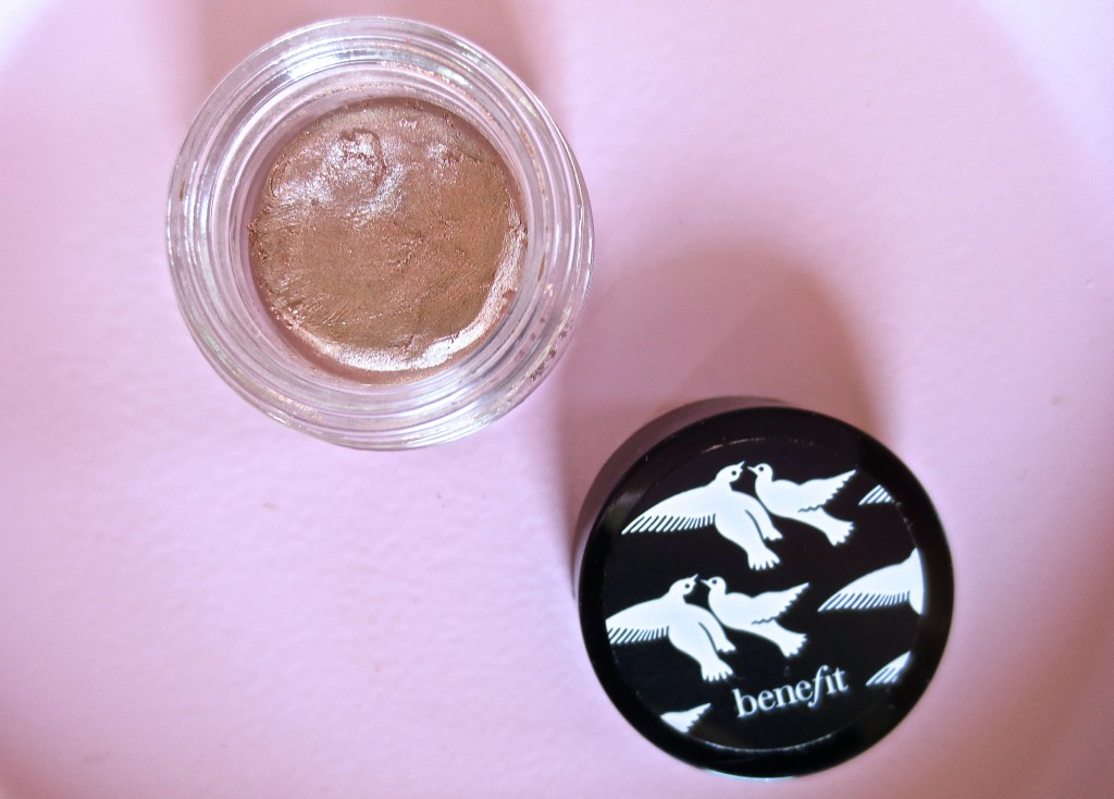 Benefit Creaseless Cream Shadow R.S.V.P. zoomed