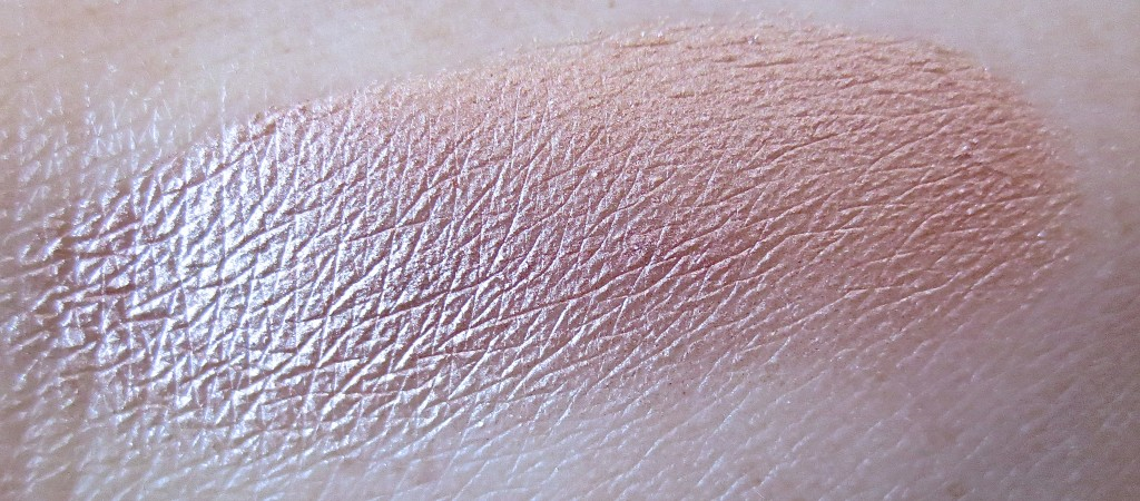 Benefit Cream Shadow Liner R.S.V.P. geswatched