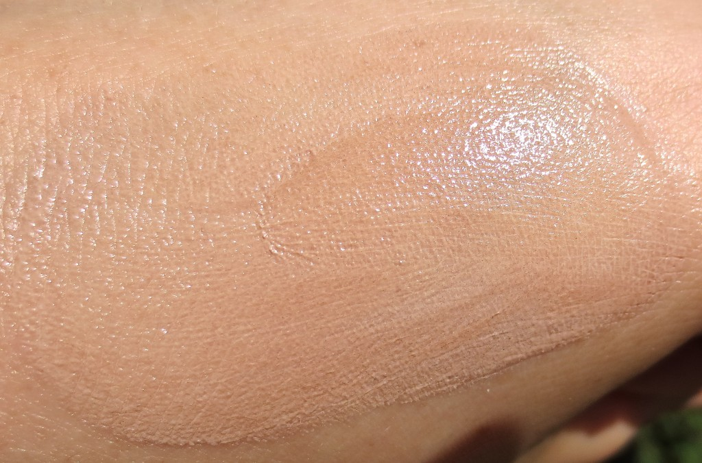 Balea Teint Perfektion Magic Teint Creme Tönung Swatch