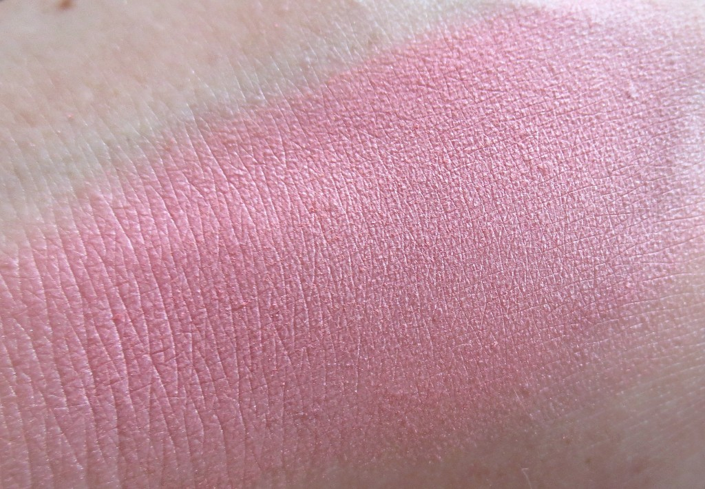 Alverde Dizzy Peach Blush Swatch