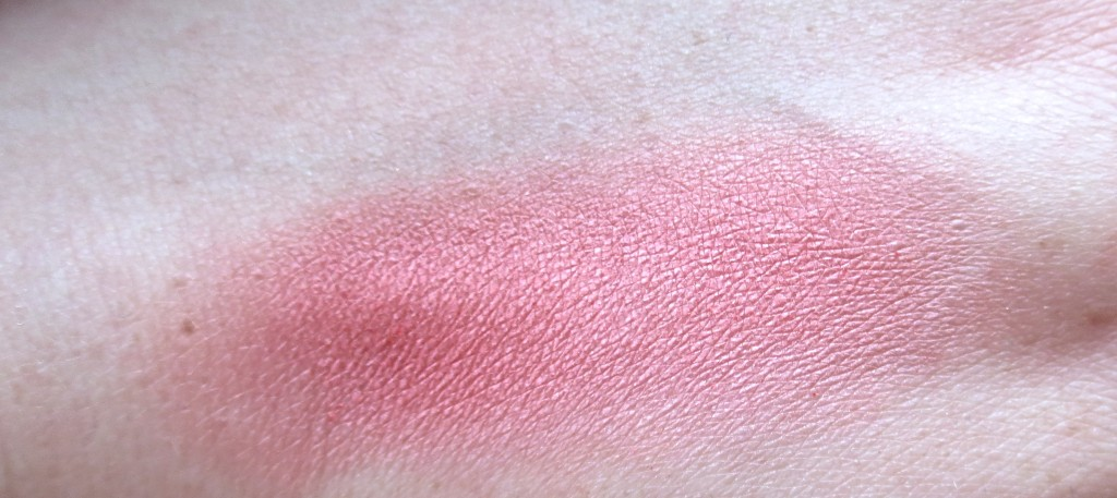Essence Nauti Girl Blush Swatch