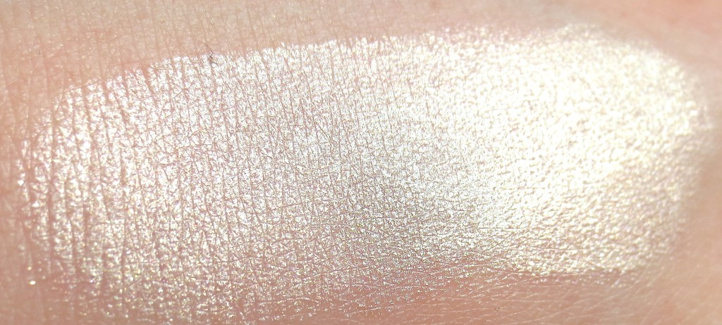 P2 Brave and Beautiful Highlighter 010 brilliant