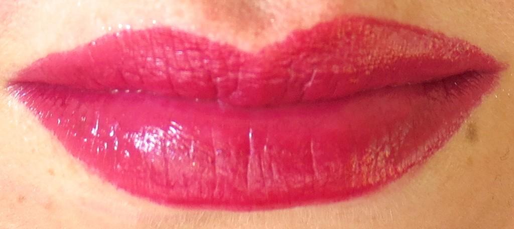 P2 Fabulous Beauty Gala Glamorous Diva Lipstick 010