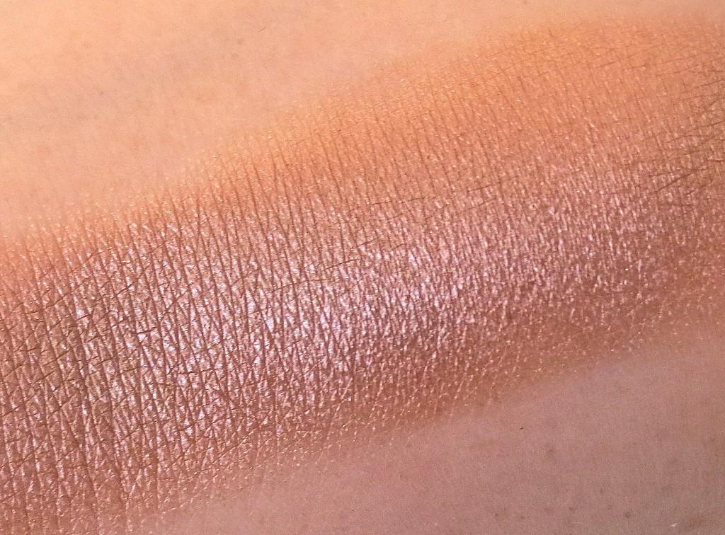 Essence I Love Nude Eyeshadow sweet like chocolate
