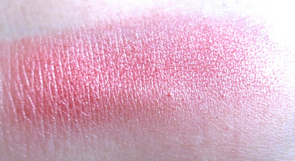 Catrice Treasure Trove Powder Blush C01 Caviar and Champagne Swatch