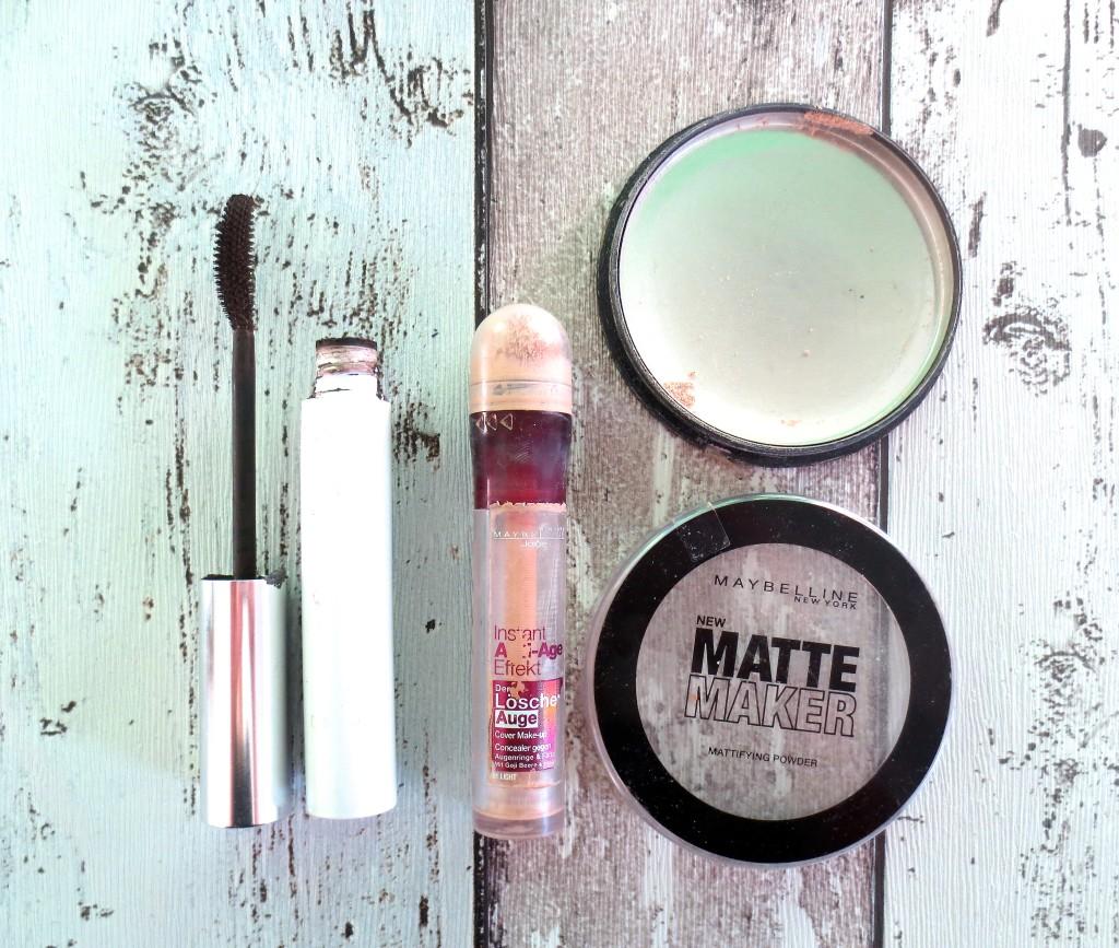 Empties Dezember 2015 Avene Couvrance Mascara Maybelline Löscher Auge Concealer Maybelline Matt Maker Puder