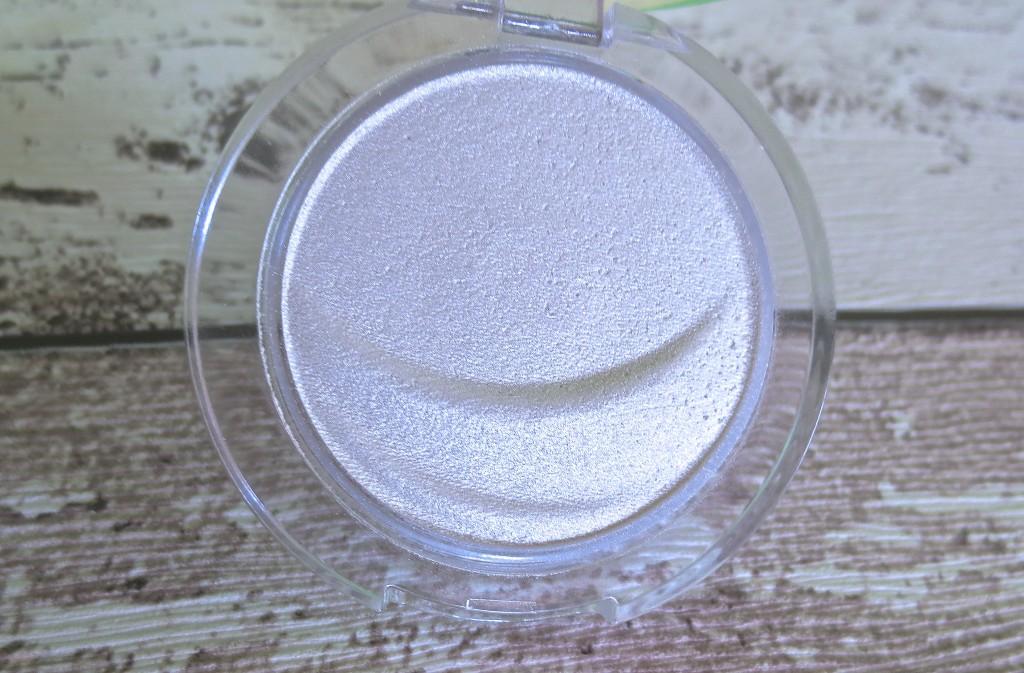 Essence eyeshadow Lidschatten 01 snowflake
