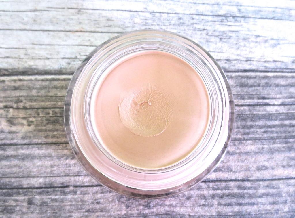 Alverde Mousse Makeup 02 Rosy Beige