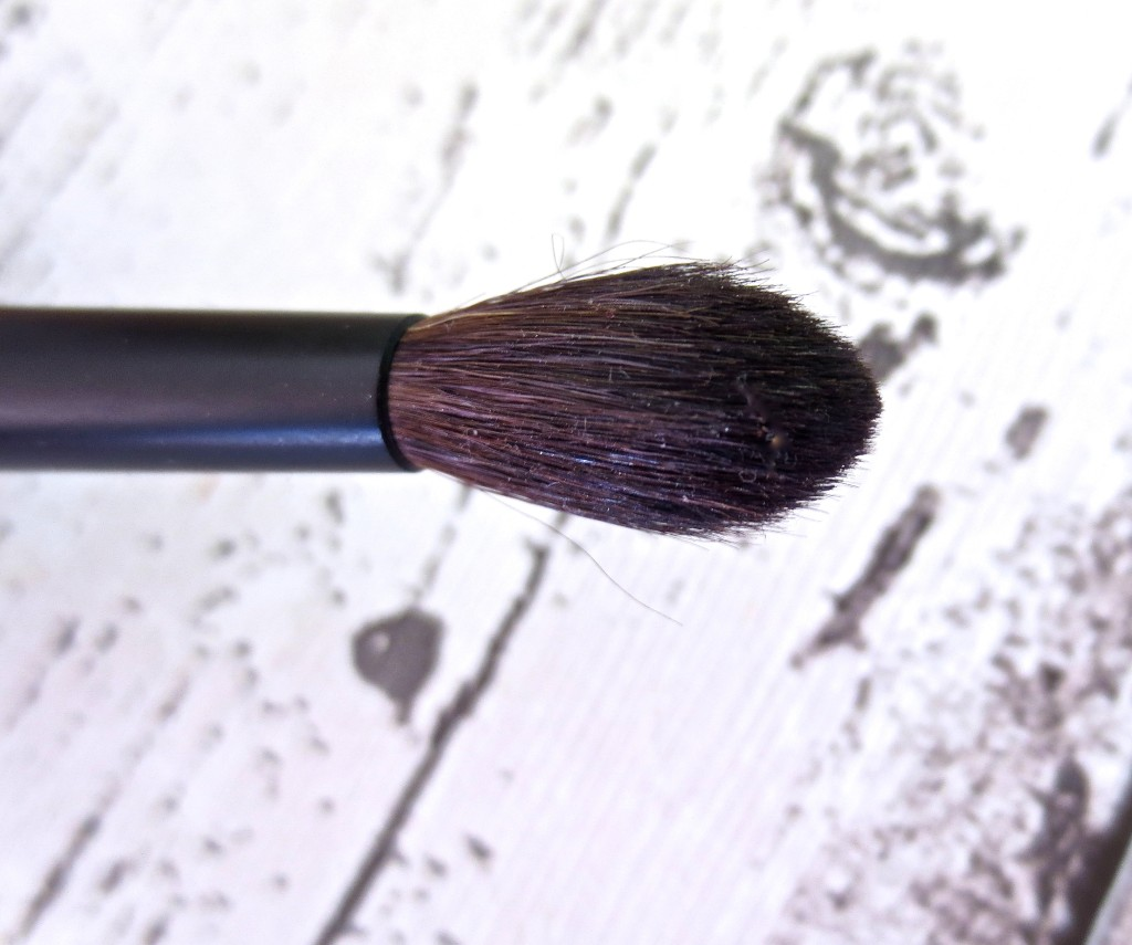 Sephora Classic Crease Shadow Brush Nr. 73 close-up