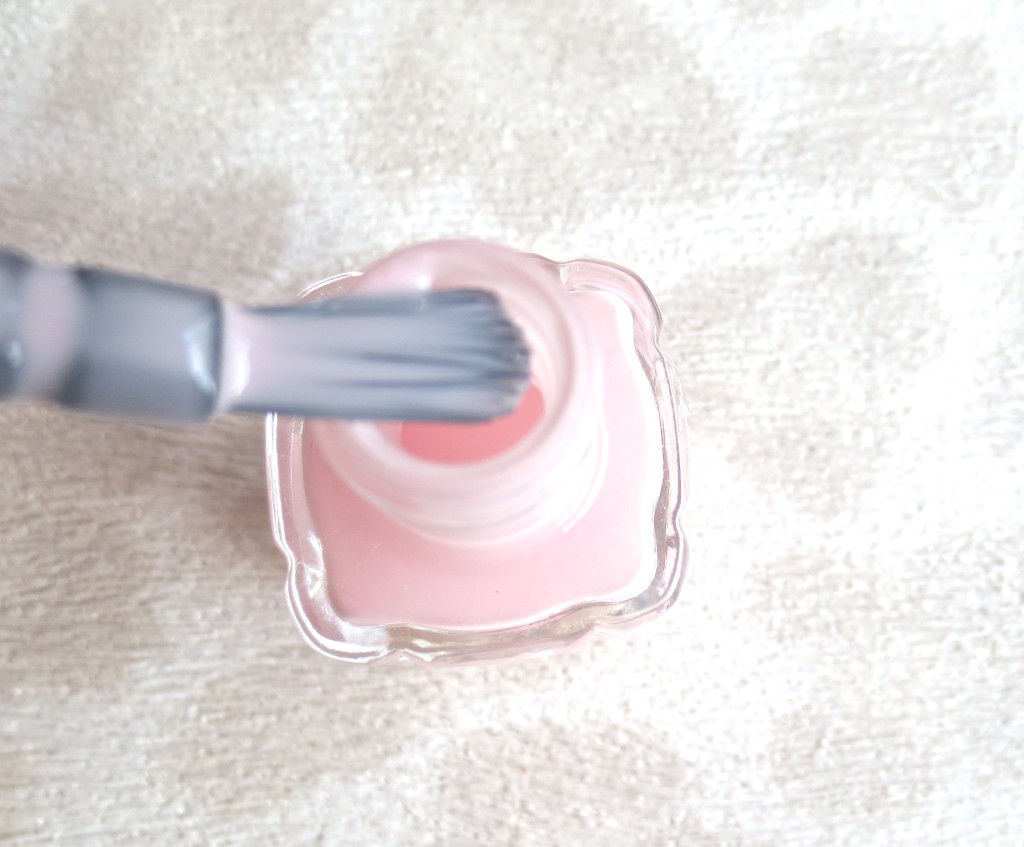 L'Oréal Color Riche Le Vernis Nagellack mit Öl 220 Dimanche Apres Midi