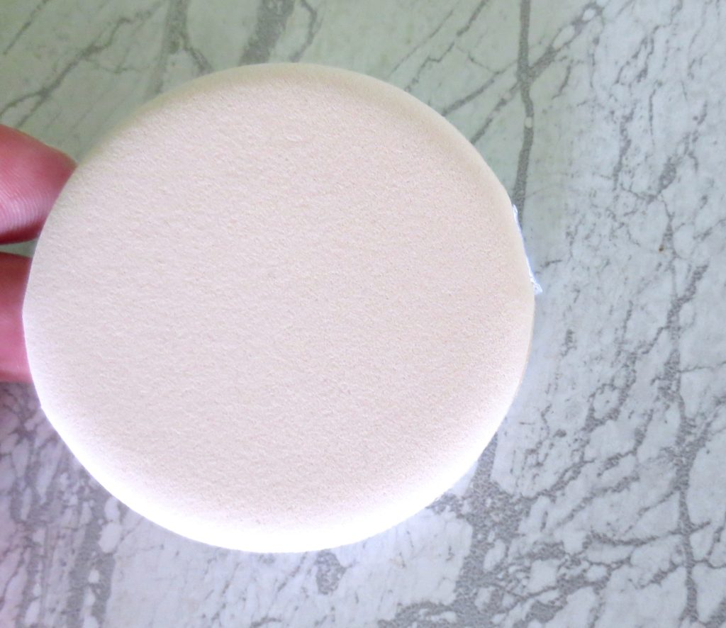 Yves Rocher Pure Light Cushion Foundation Schwämmchen Applikator