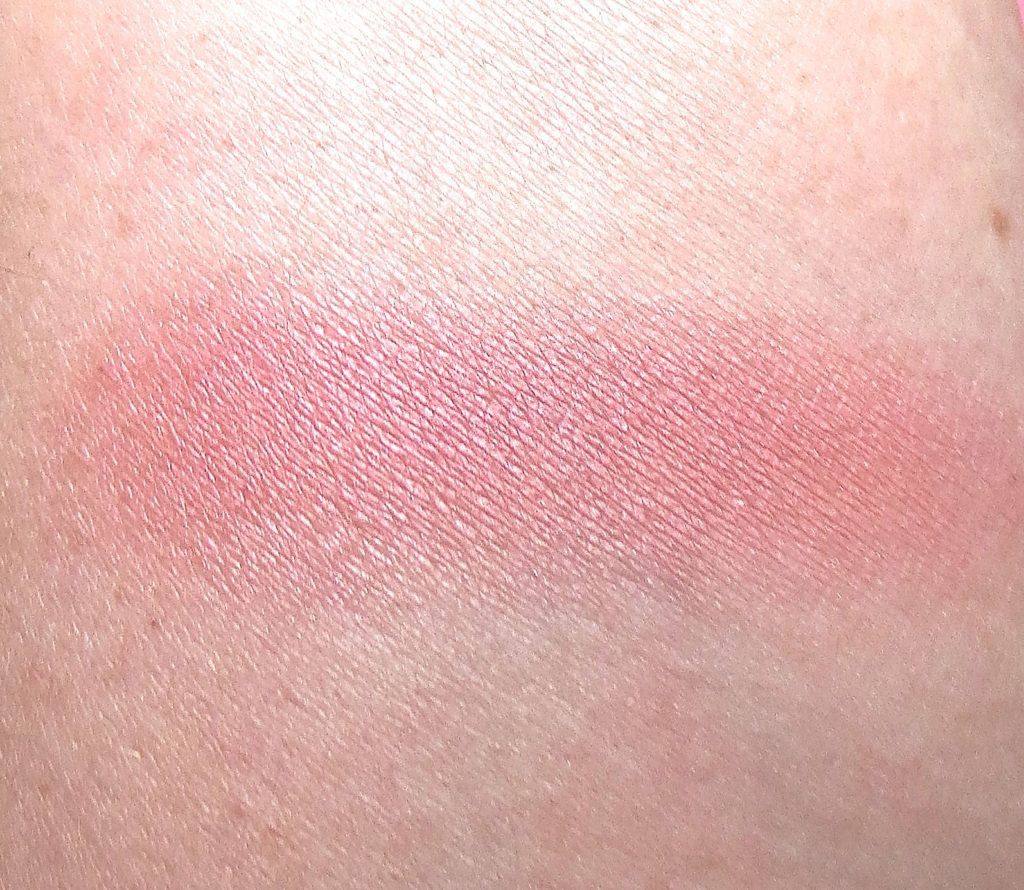 meine liebsten blushes 2016 alverde dizzy peach swatch