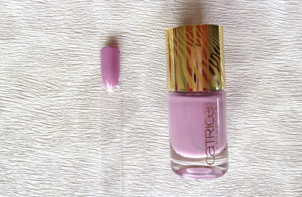 Catrice Sound of Silence nail lacquer Calm down n MAUVE on