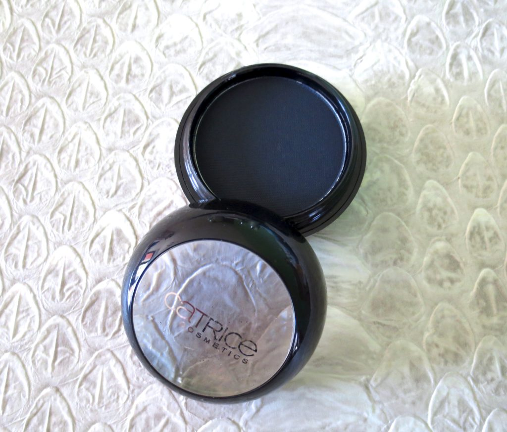 catrice Retrospective wet & dry Shadow C02 Blue Flashback