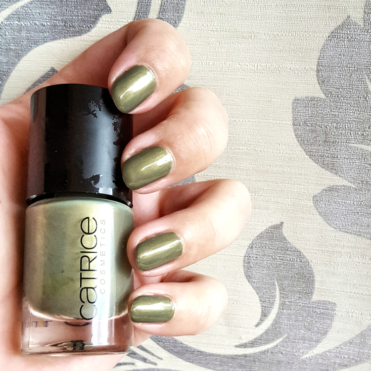catrice neo natured nail-lacquer-waldens-leaf-letter