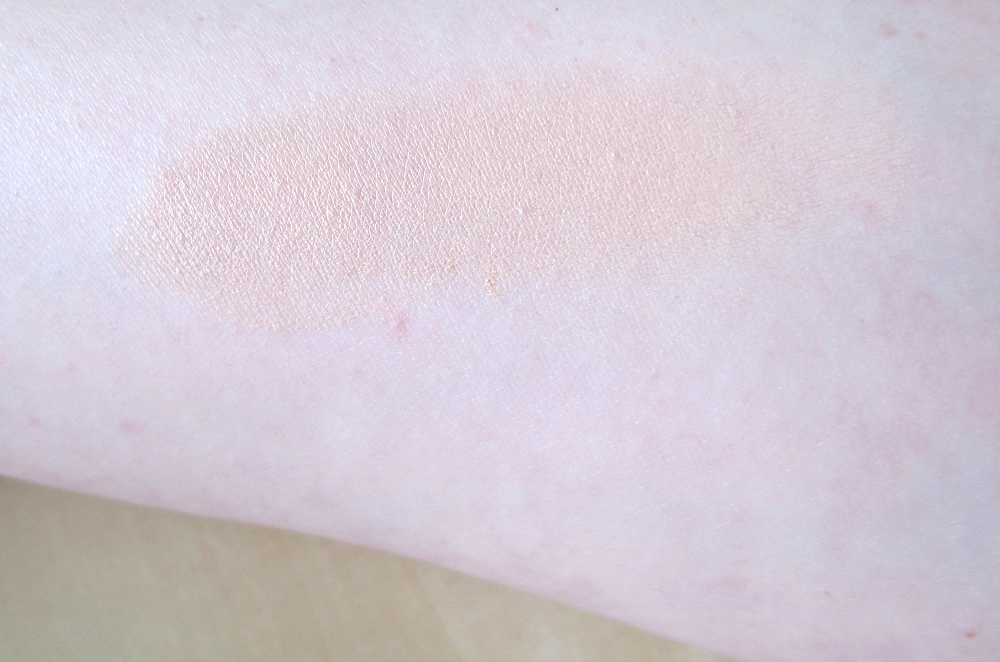 Maybelline Dream Cushion Liquid Swatch Swatch