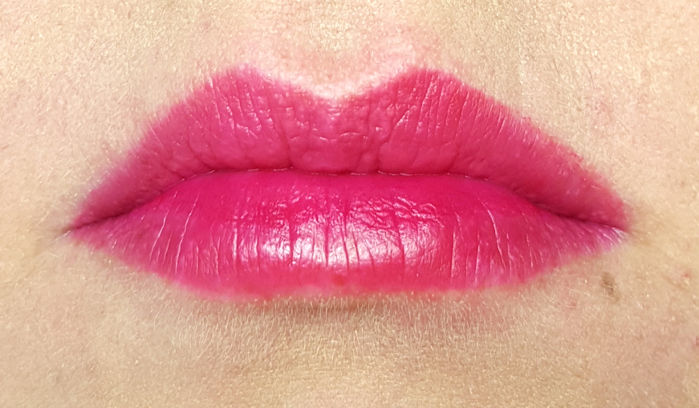 Catrice Aqua Ink in Gloss Lip Stain Burgundy Sunset Waves Stain Tragebild