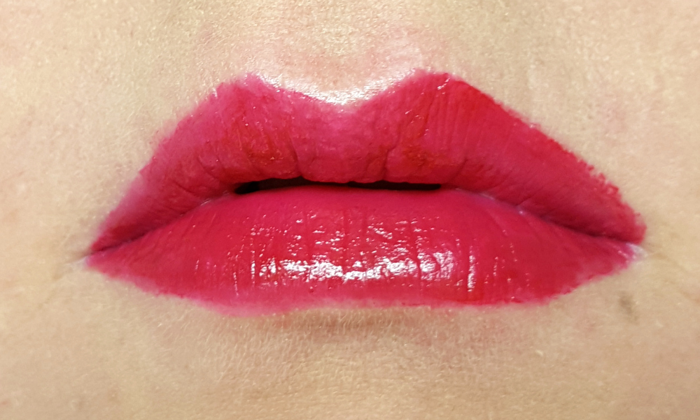 Catrice Aqua Ink-Gloss Lip Stain 030 Burgundy Sunset Waves Tragebild