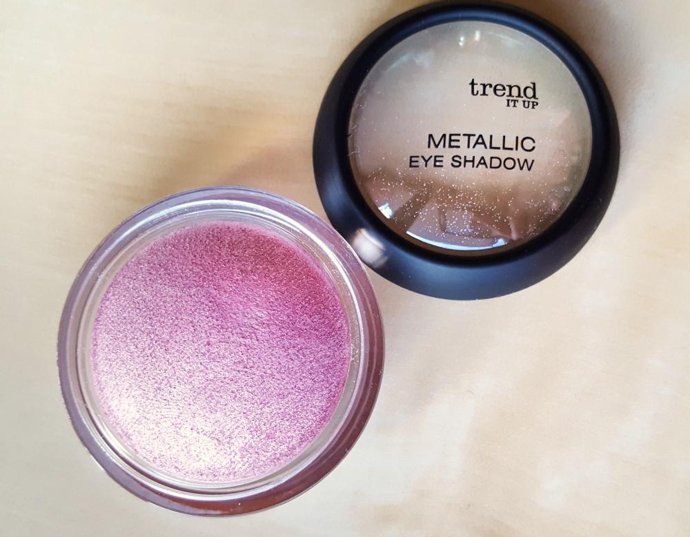 trend it up metallic eye shadow 050