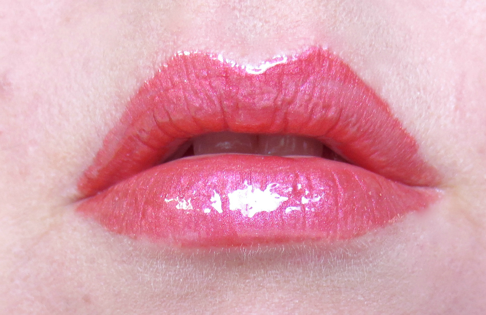 trend it up metal shine lip cream 030 tragebild