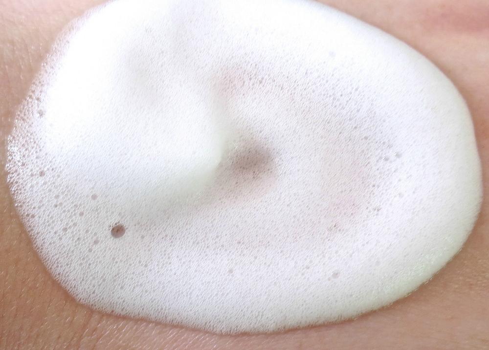Kicho Natural Mineral Foaming Cleanser Textur