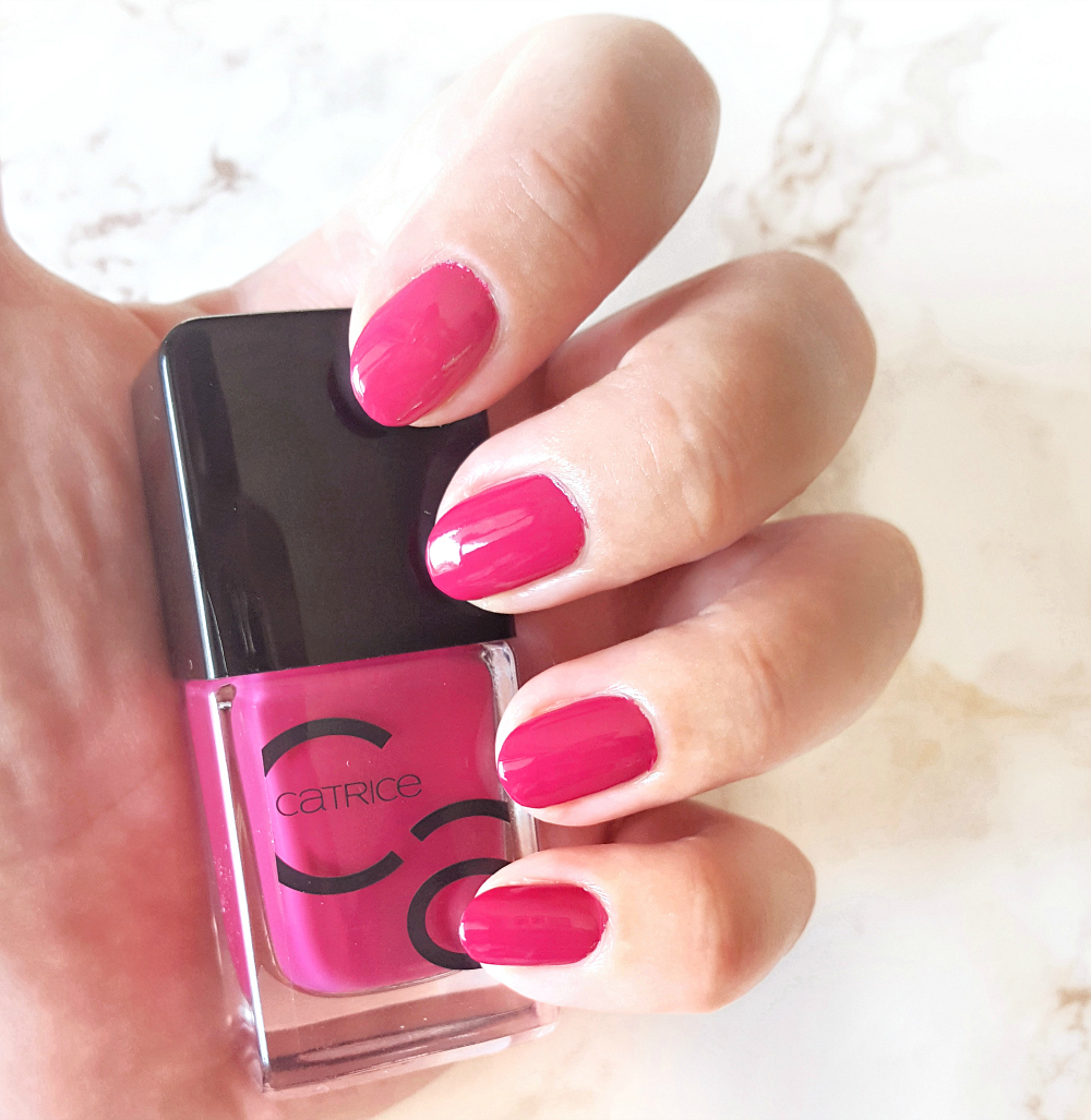 Catrice ICONails for the berry first time Swatches