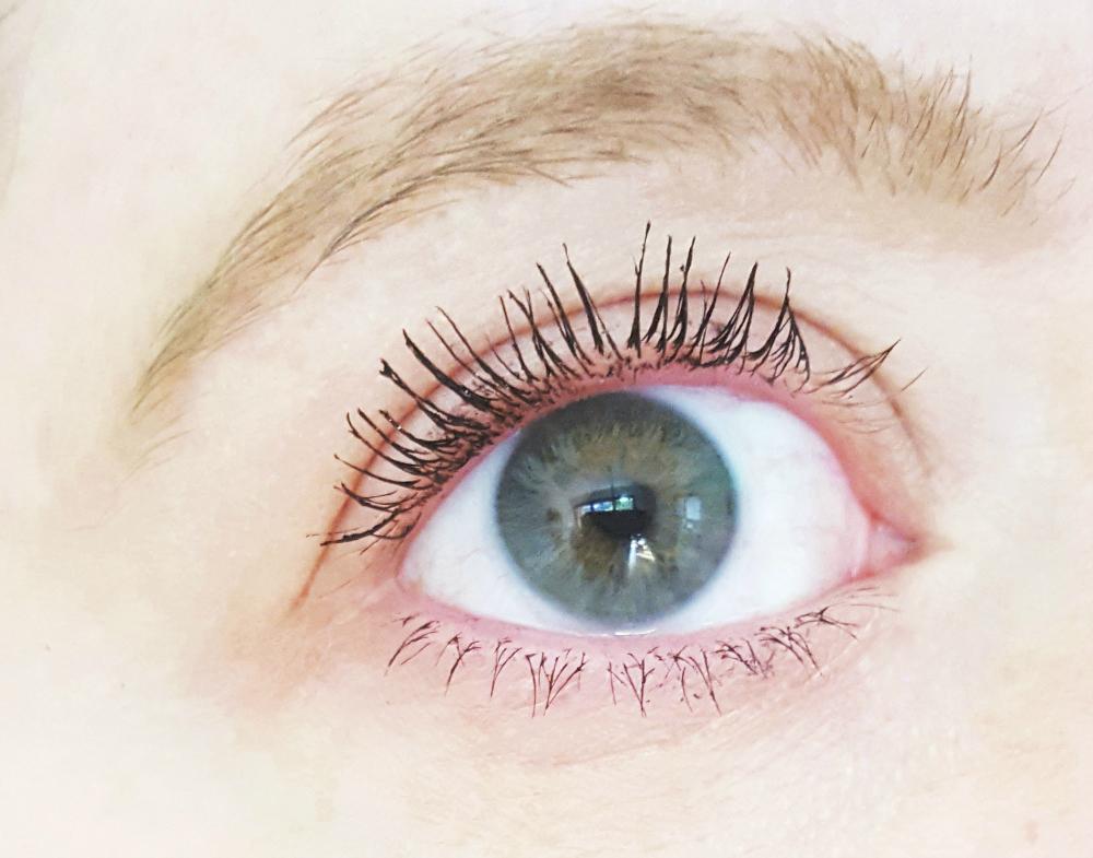 L'Oréal Paradise Extatic Mascara Effekt Swatch