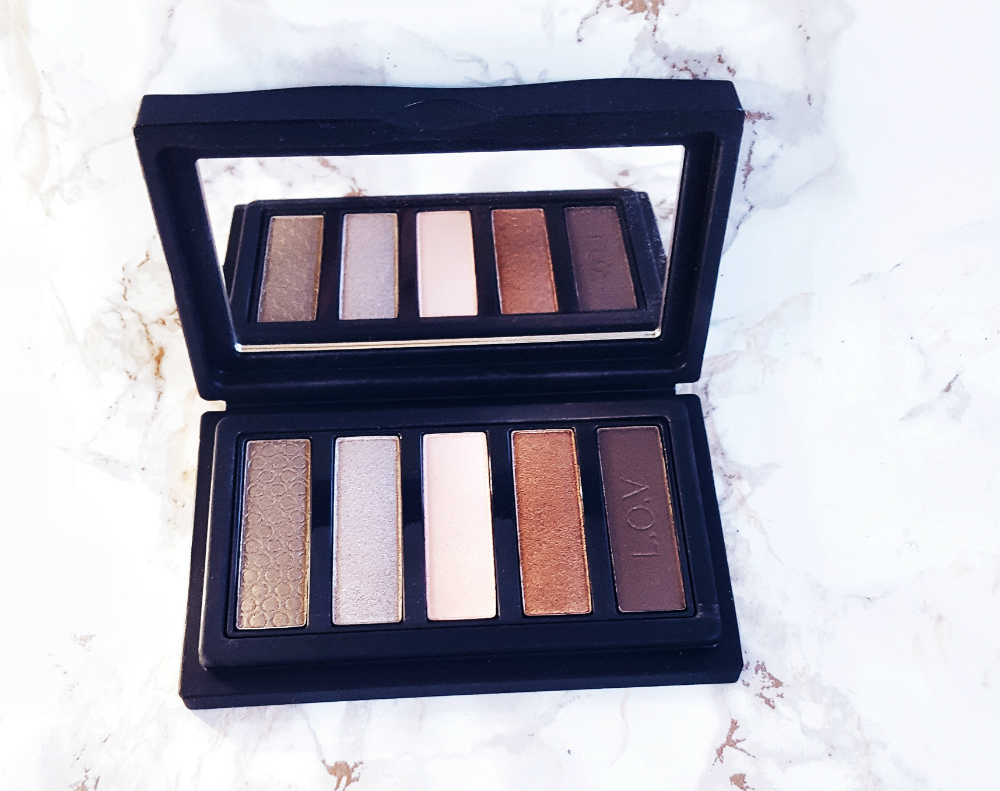 LOV Cosmetics Eyevotion Eyeshadow Palette Devoted to Nudes