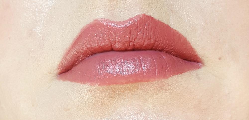 LOV Cosmetics Lip Affair matte Love Potion Swatch