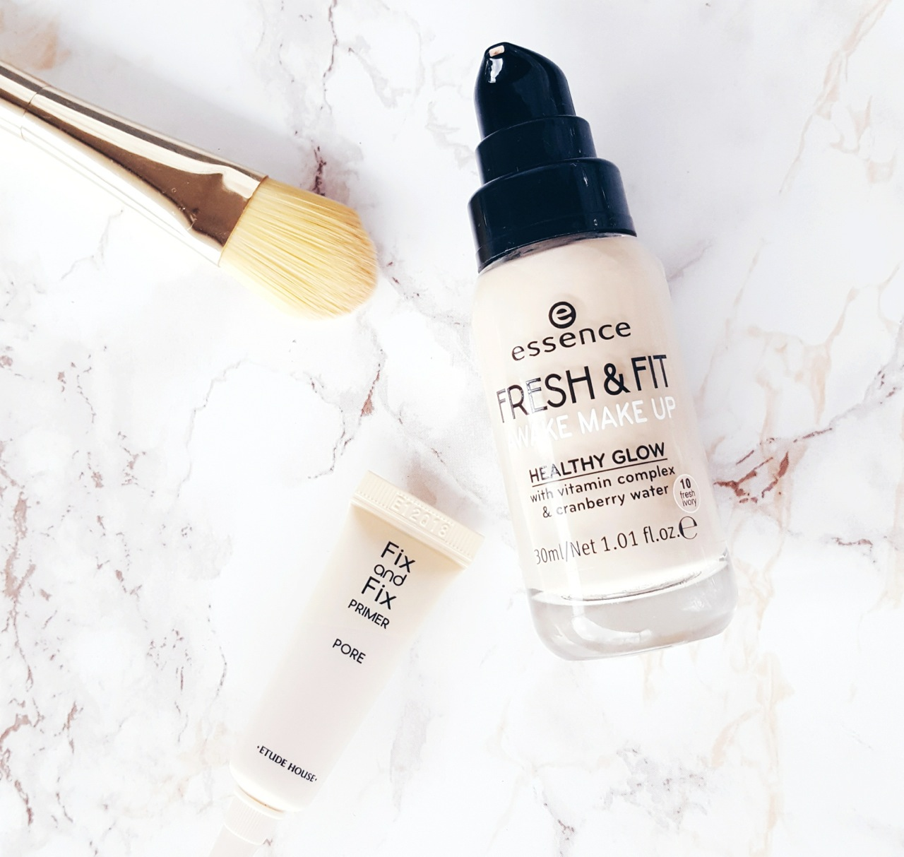 Essence Fresh & Fit Awake Makeup Foundation