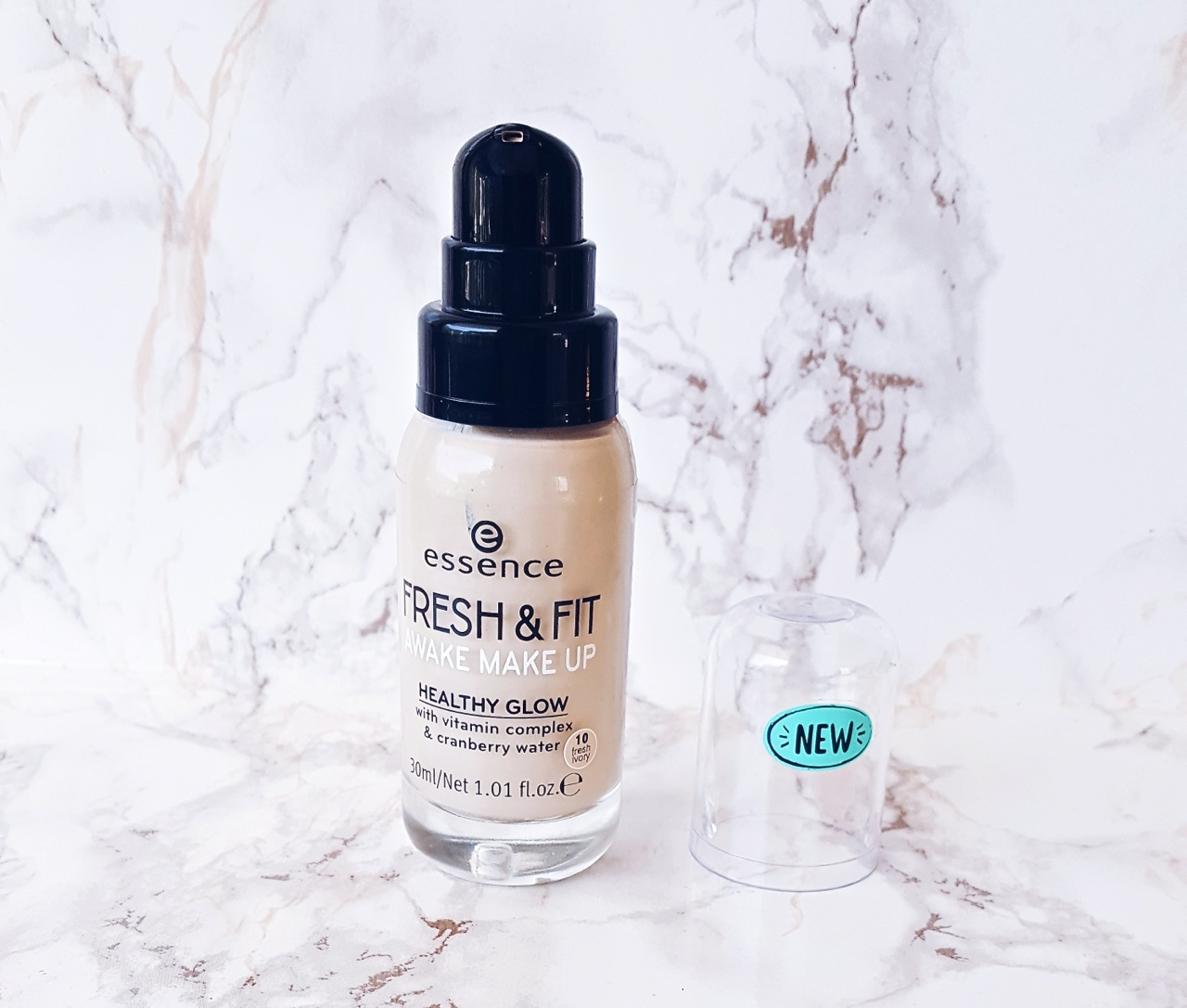 Essence Fresh & Fit Awake Makeup