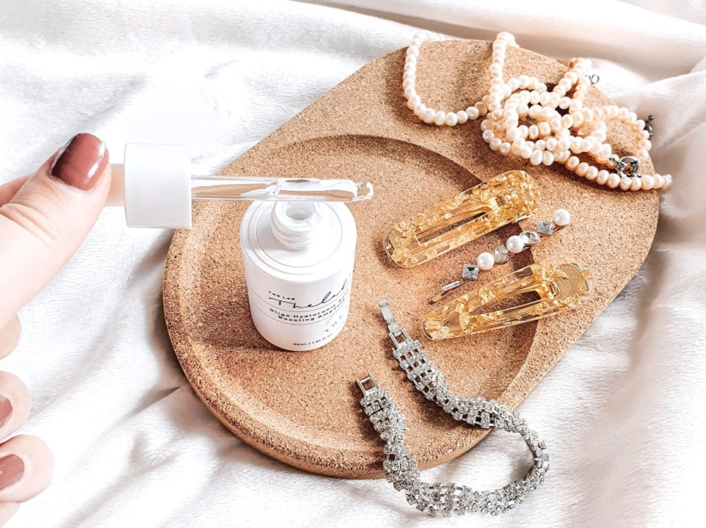 the lab by Blanc Doux Oligo Hyaluronic Acid Boosting Ampoule texture